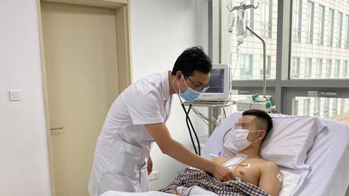 Ngủ gật khi đi xe máy, nam thanh niên Hà Nội bị thủng tim và vỡ gan
