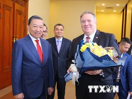 Hoa Kỳ viện trợ Việt Nam 2 triệu USD để khắc phục hậu quả thiên tai