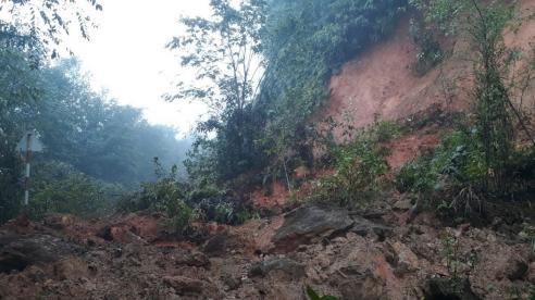 2 tỉnh Nghệ An và Hà Tĩnh: Nhiều nơi đang ngập sâu và bị chia cắt