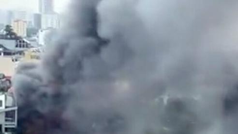 Cháy lớn ở quán lẩu trên phố Duy Tân, Cầu Giấy (Hà Nội)