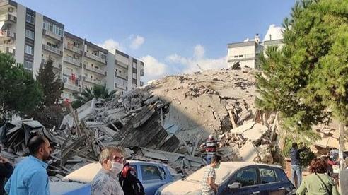 Nhà cửa đổ nát sau trận động đất mạnh 7 độ Richter làm rung chuyển Hy Lạp, Thổ Nhĩ Kỳ
