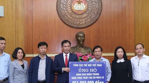 Tổng cục TDTT trao hơn 251 triệu đồng ủng hộ đồng bào miền Trung