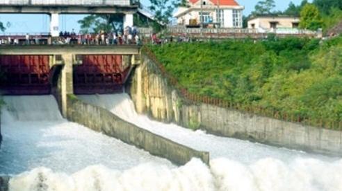 Hà Tĩnh: Hồ Kẻ Gỗ sẽ tăng lưu lượng xả lũ vào sáng sớm ngày 31/10