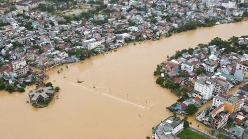 Mỹ hỗ trợ bổ sung 2 triệu USD để giúp Việt Nam ứng phó với lũ lụt