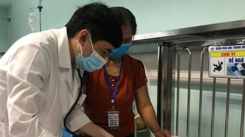 Số trẻ nhỏ bị viêm hô hấp do nhiễm virus RSV lây qua hôn hít tăng gấp 3