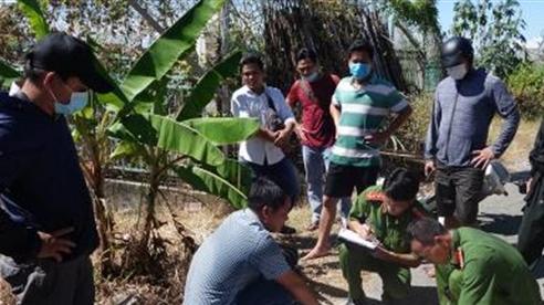 Nhóm người vận chuyển 51kg nghi vàng lậu về An Giang