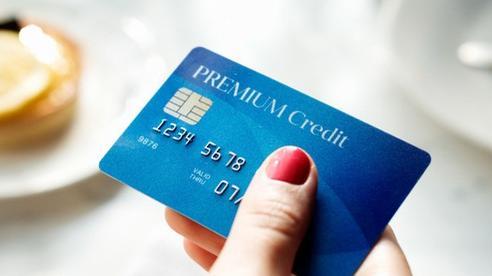 4 loại người nên tránh xa thẻ tín dụng, nếu vẫn quyết dùng thì chẳng mấy chốc 'đội lên đầu' cả đống nợ