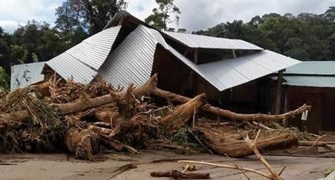 Tìm đường tiếp tế lương thực cho 3.000 hộ dân bị cô lập ở Phước Sơn