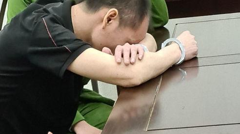 Giọt nước mắt muộn màng của người đàn ông vác dao chém vợ