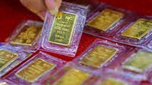 Giá vàng hôm nay 25/11: Lao dốc mạnh, nhà đầu tư tháo chạy