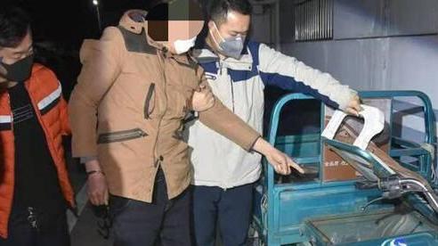Siết cổ vợ rồi đưa xác tới đồn cảnh sát đầu thú, người vợ đột nhiên 'sống lại'