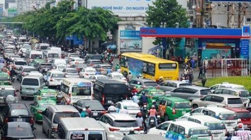Kiến trúc sư Ngô Viết Nam Sơn đưa giải pháp 'trị' vấn nạn ùn tắc giao thông ở sân bay Tân Sơn Nhất