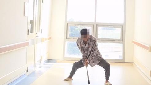 Phẫu thuật biến dạng cho người có 'đôi chân càng cua'