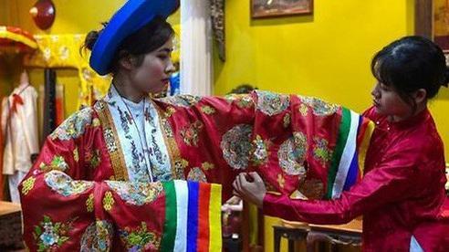 AFP: Nhà thiết kế Việt Nam truyền cảm hứng giới trẻ về văn hóa truyền thống