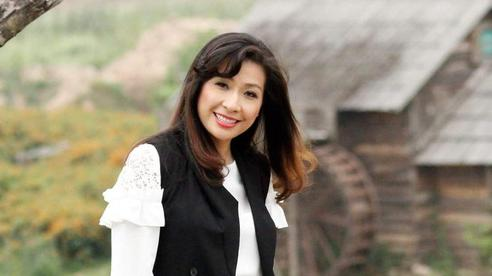 Ca sĩ Thùy Dung: 'Nghĩ mình nổi tiếng là sẽ đông học sinh là sai lầm