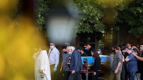 [ẢNH] Huyền thoại Maradona về nơi an nghỉ cuối cùng