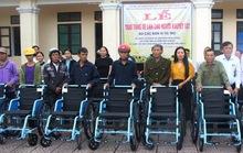 Hà Tĩnh: Trao tặng 65 xe lăn cho người khuyết tật