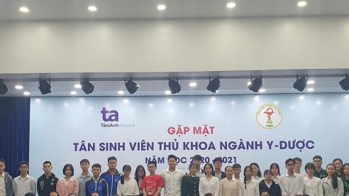 Tổng Hội Y học Việt Nam gặp mặt 35 tân sinh viên thủ khoa ngành Y - Dược năm học 2020-2021