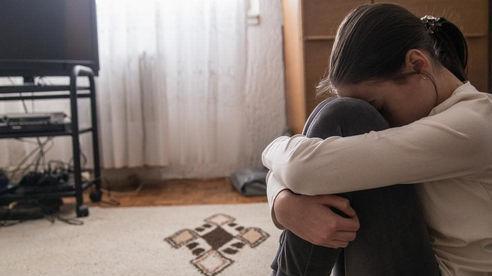 Bé gái 12 tuổi vượt hơn 200 cây số để ngủ với bạn trái
