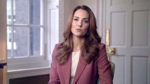Lý do chính vì sao Meghan Markle bất ngờ chia sẻ về việc bị sảy thai, Hoàng gia Anh và Công nương Kate đã phản ứng ra sao?