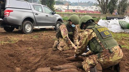 AS Roma phát hiện bom từ thế chiến thứ 2 trong khu tập luyện