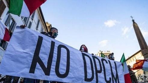Biểu tình tại nhiều nước châu Âu phản đối các biện pháp hạn chế vì COVID-19