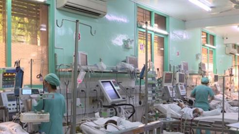 Bắt người mẹ bạo hành bé gái 3 tuổi chấn thương sọ não ở TP.HCM