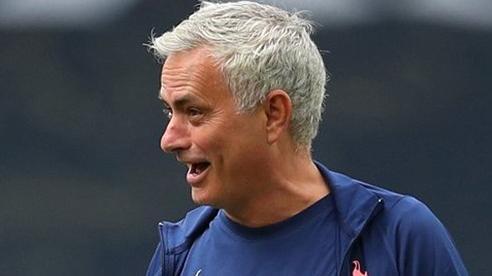 Mourinho phán 1 câu về Chelsea, Lampard phản ứng quyết liệt