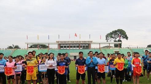 Tiền Giang: Khai mạc giải bóng đá mini nam nữ công nhân, viên chức, lao động và lực lượng vũ trang