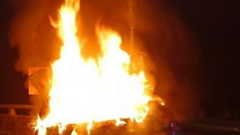 Người đàn ông chết cháy trong ô tô sau khi giải cứu mèo