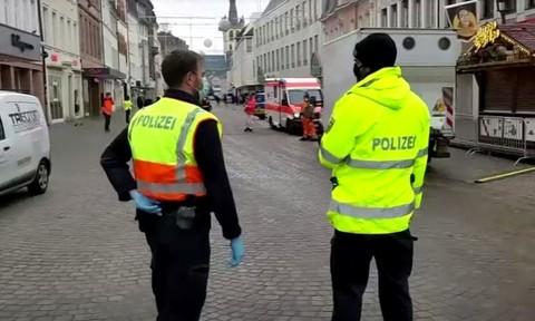 Lao xe có chủ ý vào đám đông ở Đức, 17 người thương vong