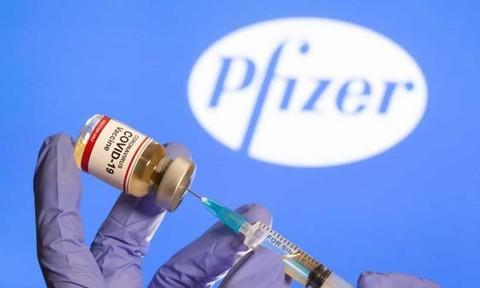 Anh là nước đầu tiên cấp phép cho vaccine Covid-19 của Pfizer