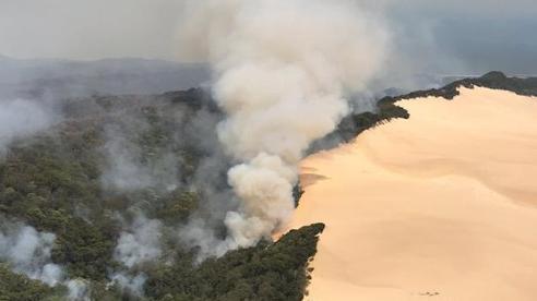 Úc: cháy rừng đe doạ khách du lịch