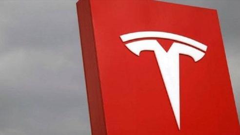 [INFOGRAPHIC] 'Chuyến xe' vượt các cột mốc lịch sử của Tesla năm 2020