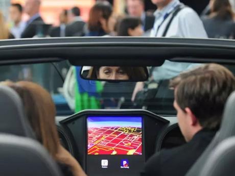 BlackBerry bắt tay Amazon phát triển nền tảng phần mềm ôtô thông minh