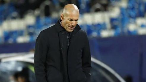 Zidane có 3 trận để giữ ghế ở Real Madrid