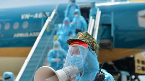 Vietnam Airlines xem xét sa thải nam tiếp viên làm lây nhiễm Covid-19 ra cộng đồng