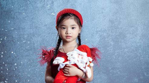 Học trò Xuân Lan – Nguyễn Khánh Vy đáng yêu trong bộ ảnh Giáng sinh
