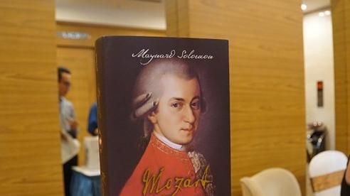 'Mozart: A Life': Chân dung sống động của một thiên tài