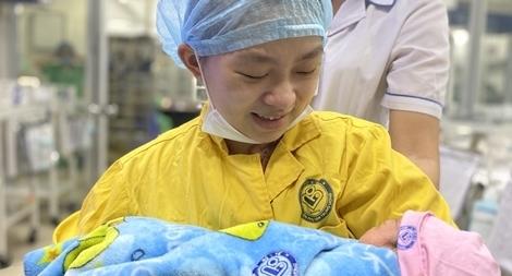 Cứu sống 2 mẹ con sản phụ mang thai 30 tuần bị TNGT nguy kịch