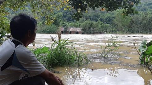 Xả lũ gây thiệt hại lớn, thủy điện nói 'vô can'