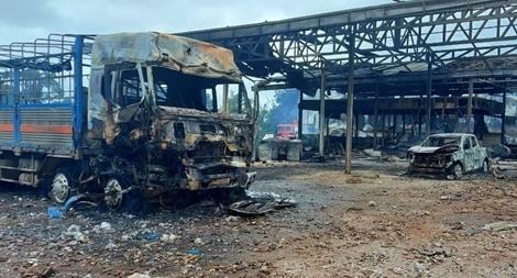 Cháy xe chở hàng gần biên giới Việt-Lào, 9 người thương vong