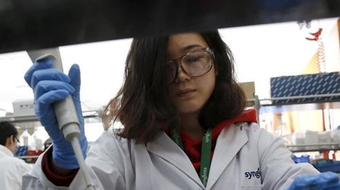 Nhà khoa học Trung Quốc rời khỏi, Mỹ chảy máu chất xám?