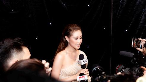 Hoa hậu Khánh Vân diễn First Face cho NTK Nguyễn Công Trí, mở màn Tuần lễ thời trang quốc tế Việt Nam 2020