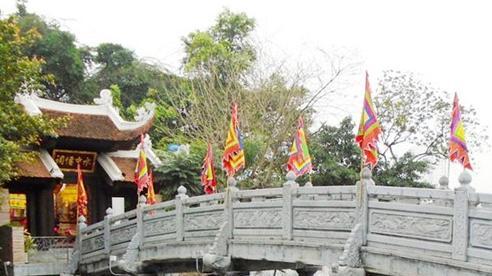 Đến với ngôi đền thiêng nằm bên đường Cổ Ngư