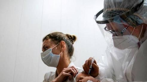 Nga chính thức bắt đầu tiêm vắc xin Covid-19 trên diện rộng