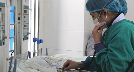 Cứu nhiều trẻ sinh non tháng ngay tại tuyến y tế cơ sở