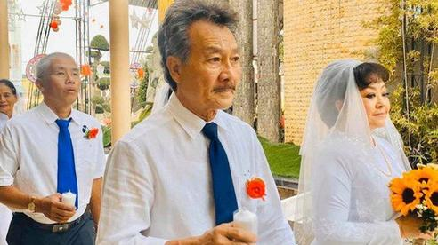 Danh ca Hương Lan từng buồn vì chồng 'bay bướm', tiết lộ chuyện mẹ chồng-nàng dâu
