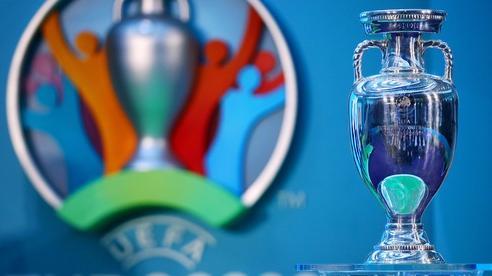 Euro 2020 chính thức dời sang năm 2021, fan kêu trời vì tiếc nuối nhưng một số ngôi sao lại được hưởng lợi