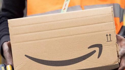 Đến cả một đế chế bán hàng trực tuyến như Amazon cũng phải 'đau đầu' với Covid-19 vì khan hàng và giao hàng trễ
